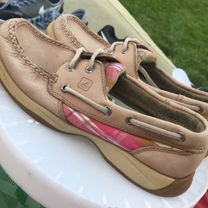 Size 6.5 Sperry's